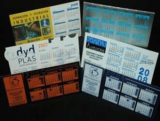 calendriers en plastique avec le nom de votre entreprise